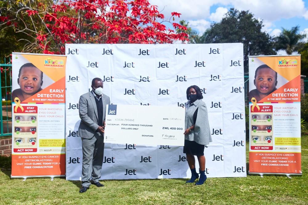 Jet donates to KidzCan